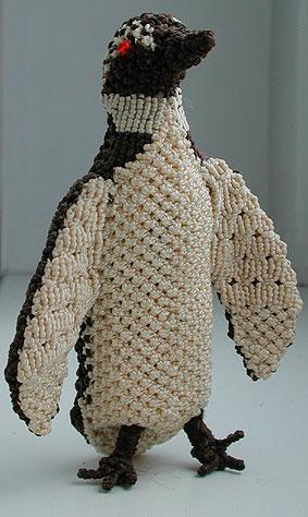 На этих фото вы увидите много примеров макраме плетения.  Тут и плетеные пояса, и фенечки из макраме, многое другое.